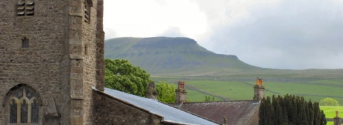 penyghent from horton ir